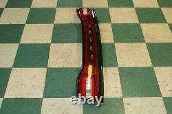 11-14 Chargeur Centre Trunk Decklide Deck Deck Couvercle Monté Taillight Tail Light Light