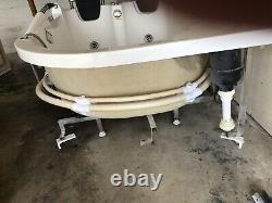 Jacuzzi 2 Personne Whirlpool Tub White 72 X 48 Corner Installer Aucune Réserve